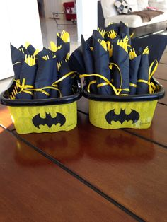 Love this idea for any superhero birthday party! #batman #Cute -♢                                                                                                                                                     More