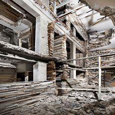 Verwoest Huis Piet Mondriaanstraat 4, Netherlands