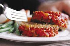 See how to make an easy meatloaf with our Easy Pleasing Meatloaf recipe video! Get tips on BBQ glazing and more in our Easy Pleasing Meatloaf video. Easy Meatloaf, Meatloaf Recipes, Beef Recipes, Cooking Recipes, Mexican Meatloaf, Recipies, Cookbook Recipes, Family Recipes, Kraft Recipes