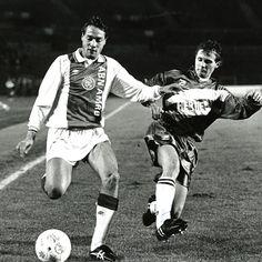 John van 't Schip (348 duels in Ajax 1, 33 goals) is vandaag 50 jaar geworden! Gefeliciteerd!!