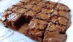Een brownie moet heel veel chocoladesmaak hebben en goed smeuïg zijn. Na het proberen van meerdere recepten heb ik een combinatie gemaakt en ben ik tot dit...