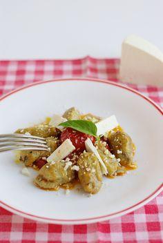 Gnocchi melanzane alla norma / Aubergine gnocchi norma style #sicilian-recipes #sicilia #sicily #italian-food