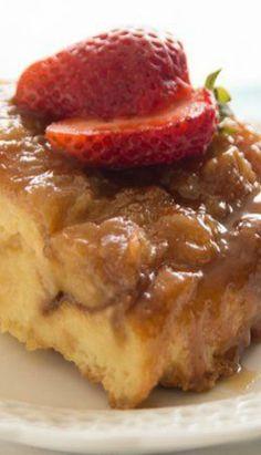 Creme Brulee Bread Pudding – Rhodes Bake-N-Serv Sweet Bread Pudding Recipe, Pudding Recipes, Cobbler Recipe, No Bake Desserts, Just Desserts, Delicious Desserts, Creme, Old Fashioned Bread Pudding, Biscuits