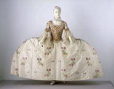 Mantua, 1760-70, from the Victoria and Albert Museum
