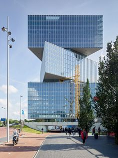 Image 1 of 20 from gallery of OMA/Reinier de Graaf Reveals Latest Images of the Nhow Amsterdam RAI Hotel. Photograph by Walter Herfst Rem Koolhaas, Commercial Architecture, Modern Architecture, Architecture Drawings, Amazing Architecture, Nh Hotel, Hotel Lounge, New York Museums, Arquitetura
