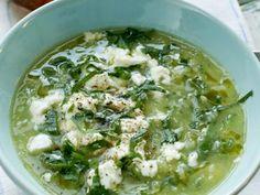 Grön soppa med feta och rostade tomatmackor