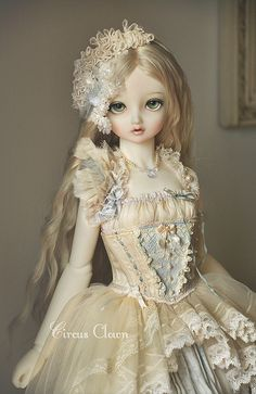 Porcelain Tiles In China Pretty Dolls, Cute Dolls, Beautiful Dolls, Porcelain Dolls Value, Porcelain Tiles, Porcelain Jewelry, Fine Porcelain, Estilo Lolita, Enchanted Doll