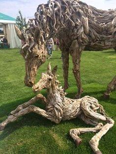 Driftwood art at it's best! Driftwood Sculpture, Horse Sculpture, Driftwood Art, Animal Sculptures, Garden Sculpture, Wood Carving Art, Wooden Art, Land Art, Horse Art