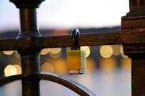Faire une balade romantique sur le Pont Charles