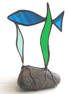 Single Fish Blue on pebble