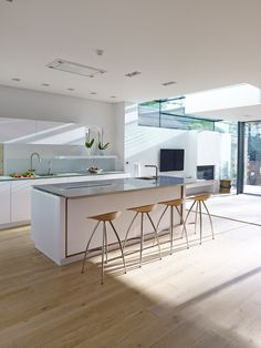 Natural light compliments this bespoke, open-plan kitchen, accompanied with a fantastic island and eating area Contemporary Kitchen, Kitchen Inspirations, Kitchen Flooring, Open Plan Kitchen Living Room, Modern Kitchen, Sleek Kitchen, Kitchen Layout, Dream Kitchens Design, Minimalist Kitchen