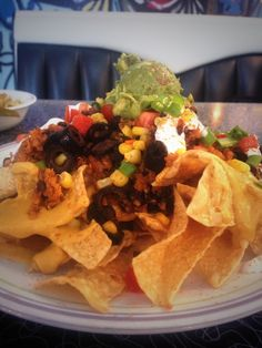"""Spiral Diner nachos, #vegan The """"queso"""" is amazing! Fort Worth, Magnolia Ave #FWeMedia"""