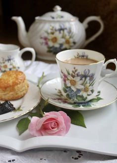 These afternoon Tea Scones are scrumptious and are perfect for making ahead and freezing! I have alway tried to duplicate the delicious foods I got acustomed to living in Scotland and this is one you will love. Scones are quite easy to make, too! Afternoon Tea Scones, British Scones, Vintage Tea Rooms, Great British Food, British Dishes, Cream Tea, Tea Sandwiches, Tea Recipes, High Tea