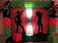Saiba como fazer a Decoração de festa infantil tema Discoteca usando muita criatividade e seguindo os modelos na matéria.