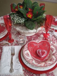 Romantic Valentine Tables at Opulent Cottage