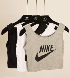 Nike crop top - zdravo dama - online store powered by storen Nike Outfits, Sport Outfits, Fall Outfits, Casual Outfits, Summer Outfits, Nike Crop Top, Crop Tops, Nike Gym Top, Nike Running Top
