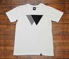 (wldwlvs T shirt). Shirt Print Design, Tee Shirt Designs, Cool T Shirts, Tee Shirts, White Shirts, Mens Clothing Styles, Printed Tees, Mens Tees, Shirt Style