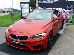 Michaela Miksová vyfotila BMW M4 Coupé na Grand Prix v Brně – šlo vlastně o cenu pro nejlepšího jezdce v kvalifikaci na Moto GP.