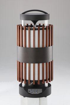 和風機とは・・・。和風機は「日本の家電に日本の良き文化や技術を採り入れて家電を持つ喜び、使う愉しみで人の笑顔を増やしたい」という和家電プロジェクトから生まれたオリジナル家電第1弾商品です。高級扇風機(高級家電)としての側面も持っています。 Knife Block