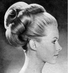 Vintage Hairstyles Retro Styles from the - Updos Page 1 Braided Hairstyles Updo, Retro Hairstyles, Updos, Wedding Hairstyles, Beehive Hairstyles, Gorgeous Hairstyles, High Bun Hair, Hair Buns, Classy Updo