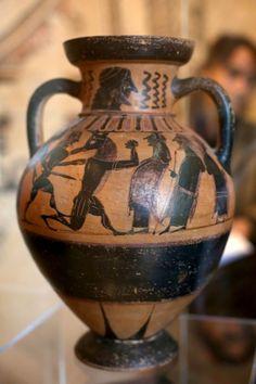 """Anfore, vasi e statue: recuperati 5mila reperti trafugati. """"E' il più grande ritrovamento della storia""""-"""
