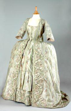 HISTORICAL GREEN & OIL PRINTED DRESSES