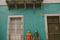 Sesión de pareja en Guanajuato, México por Raquel Benito. Engagement in Guanajuato, Mexico by Raquel Benito.