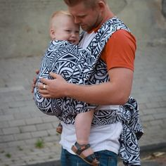 Yaro Urban Geo Contra Navy White bæresjal Baby Wearing, Geo, Navy And White, Hipster, Urban, How To Wear, Style, Fashion, Swag