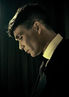 ohfuckyeahcillianmurphy: First still of Cillian Murphy as Tommy Shelby in Peaky Blinders S3 (full size added to cillian-murphy.net gallery)