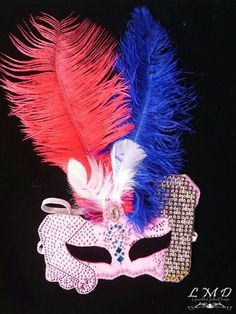 handmade red and blue ostrich feathers mask by Lijuanbeadjewelry on Etsy Feather Mask, Ostrich Feathers, Red And Blue, Halloween, Unique Jewelry, Handmade Gifts, Projects, Etsy, Vintage