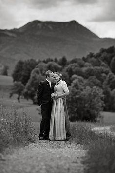 Hochzeitsfotograf aus München, Bayern |– Trauung in Tracht in Gmund am Tegernsee und Hochzeitsfeier auf der Insel Wörth am Schliersee