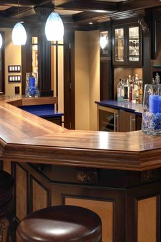 Interior Decorating Plans for your Home Bar - Dsign. Interior Designing, Home Interior Design, Interior Decorating, Modern Minimalist House, House Architecture, Cool House Designs, Bars For Home, Kitchen Design, Home Goods