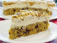 This homemade soft coffee cake both looks nice and taste delicious. The cake has a luxurious touch with the combination of coffee and chocolate, which makes it fit to all occasions. If you are not a big fan of coffee it is possible to change the coffee powder to chocolate powder instead. You can enhance the taste by sprinkling hazelnuts on the cake.