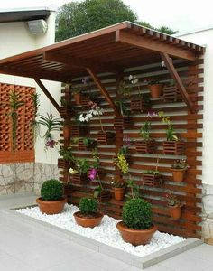 Great idea for a little backyard garden    Отличная идея для сада на заднем дворе