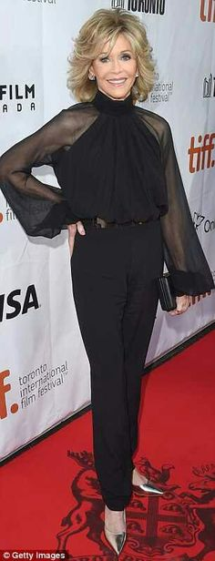 Jane Fonda, wears a black sheer-sleeved pantsuit at the Toronto Film Festival Jane Fonda Hairstyles, Work Hairstyles, Shag Hairstyles, Feathered Hairstyles, Medium Hair Cuts, Short Hair Cuts, Short Hair Styles, Jane Fonda Images, Celebrity Outfits