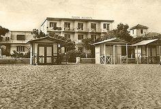 Lignano Sabbiadoro, pensione Bellavista, 1962 Mansions, House Styles, Home Decor, Decoration Home, Manor Houses, Room Decor, Villas, Mansion, Home Interior Design