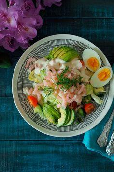 Katkarapusalaatti ja Rhode Island kastike. Katkarapusalaatti on mainio lounas tai kevyempi päivällisvaihtoehto kesäisiin päiviin. Salaatin seuraksi tarjotaan Amerikkalaista klassikkokastiketta eli Rhode Island salaatinkastiketta.