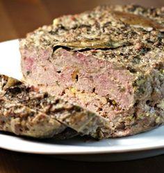 Terrina de pato com foie gras e cogumelos porcini – Cooking Recipes - New Site Meat Recipes, Wine Recipes, Cooking Recipes, Porcini Mushrooms, Stuffed Mushrooms, Duck Terrine, Best Meatloaf, Fish And Meat, Pub Food