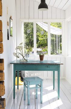 That summer house mooood Swedish Cottage, Outdoor Sinks, Furniture Update, Interior Decorating, Interior Design, Old House Dreams, House In The Woods, Cozy House, My Dream Home