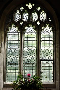 20 Amazing Classic Gothic Windows Design That Are Massive - Page 7 of 17 Gothic Windows, Church Windows, Windows And Doors, Leaded Glass, Stained Glass Art, Stained Glass Windows, Beveled Glass, Country House Design, French Country House
