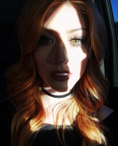 👀 Photo via Kat Mcnamara, Katherine Mcnamara, Cute Celebrities, Hollywood Celebrities, Celebrities Before And After, Face Hair, Shadow Hunters, Celebrity Pictures, Freckles