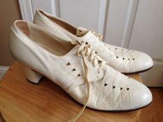 Vintage Nurse Shoes 1930's ? From Sweeney's Shoe Store McPherson KA Sz 9.5 AA #Occupational