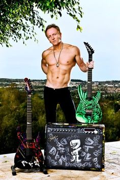 phil collin...the reason I am such a Def Leppard fan