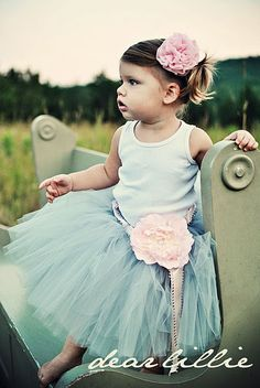 little girls in tutus. <3
