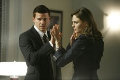 Special Agent Seeley Booth and Dr. Temperance Brennan--Why can't I find a man like Seeley Booth (not the actor but the character)? Best Tv Shows, Best Shows Ever, Movies And Tv Shows, Favorite Tv Shows, Bones Tv Series, Bones Tv Show, Bones Final Season, Bones Booth And Brennan, Movies