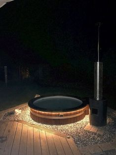 Awesome Wooden Hot Tub to Beautify Your Backyard Hot Tub Backyard, Hot Tub Garden, Backyard Patio, Small Tropical Gardens, Stock Tank Pool, Jacuzzi Outdoor, Diy Deck, Diy Garden Decor, Pool Designs