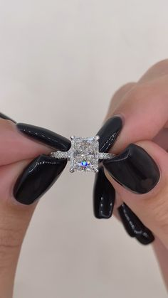 Radiant Engagement Rings, Beautiful Engagement Rings, Engagement Ring Cuts, Big Wedding Rings, Wedding Rings Vintage, Dream Wedding, Coldplay Wallpaper, Halo Setting, Radiant Cut