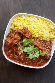 Lamb curry : An updated version of this recipe appears in my cookbook, The Ancestral Table. Rogan Josh is a popular Kashmiri dish that is believed to have originated in Persia before making its way to Nor… Kashmiri Recipes, Indian Beef Recipes, Asian Recipes, Curry Recipes, Spicy Recipes, Cooking Recipes, Healthy Recipes, Savoury Recipes, Veg Recipes