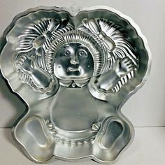 Cabbage Patch Kids Doll Wilton Cake Pan 2105-1984 1984 #Wilton Cake Baking Supplies, Cake Baking Pans, Wilton Cake Pans, Mini Cake Pans, Cartoon Crazy, Bear Cookies, Cabbage Patch Kids Dolls, Baking Items, Child Doll