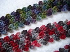 The heart effect crochet scarf! - diagram included! This is so easy...